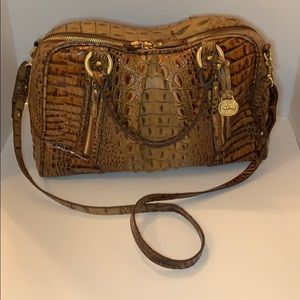 BRAHMIN - MEDIUM PURSE - TOASTED ALMOND- LIKE NEW